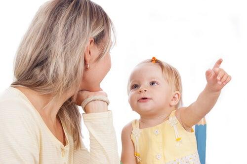 Çocuğunuza Konuşmayı Öğretmek için Pratik Egzersizler