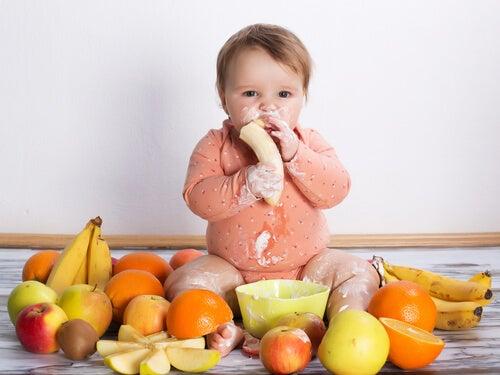 Bebeğinize asla vermemeniz gereken 7 gıda