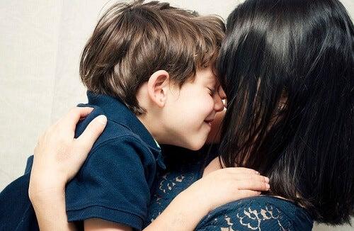 Çocuğunuza Kendisini Özel Hissettirmenin 4 Yolu
