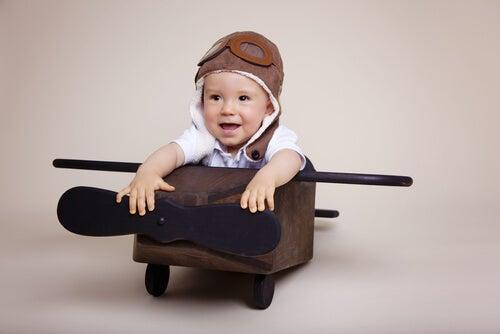 pilot olmak isteyen bebek