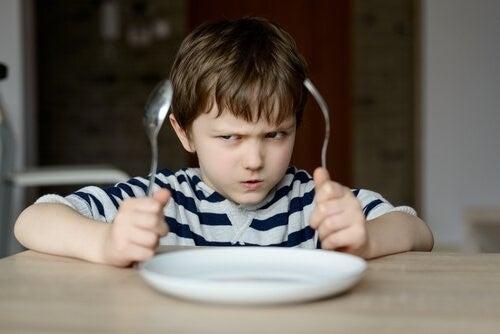 Neden Çocuklarımızı Yemek Yemeleri İçin Zorlamamalıyız