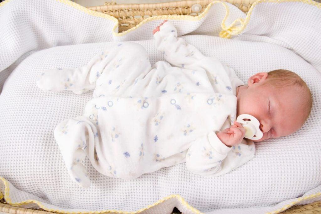 Bebekler Hangi Pozisyonda Uyumalıdır?