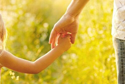 Annelik, Çocuklarımıza Rehberlik Etmek ve Onları Eğitmek Demektir