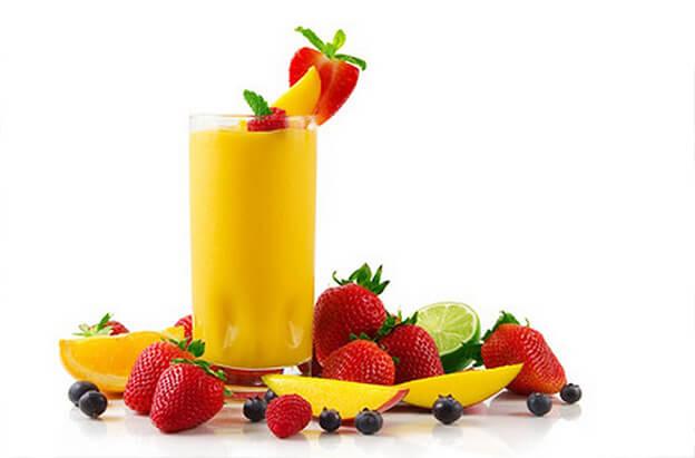 meyve suyu ve meyveler
