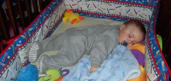 Çocuğunuz Gece Üstünü Açıyorsa Yapmanız Gerekenler