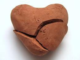 kilden yapılmış kırık kalp