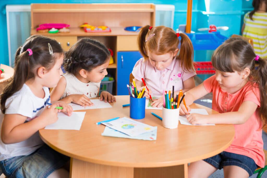 Çocukları Üç Yaşından Önce Anaokuluna Göndermenin Faydaları