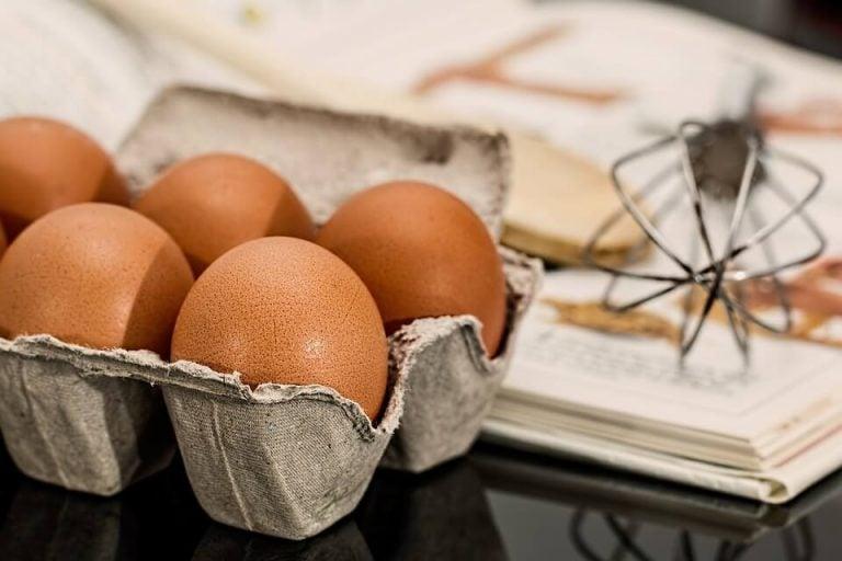 tezgahta duran yumurtalar