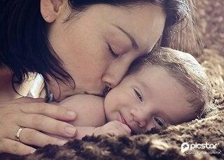 Anne olmak, Bir Seçimdir: Annelik İçgüdüsü İse Bir Efsane