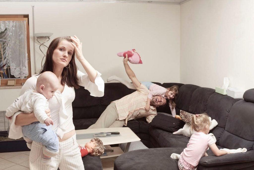 Anneler Neden Babalardan Daha Streslidir?