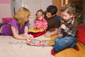 beraber oynayan aile