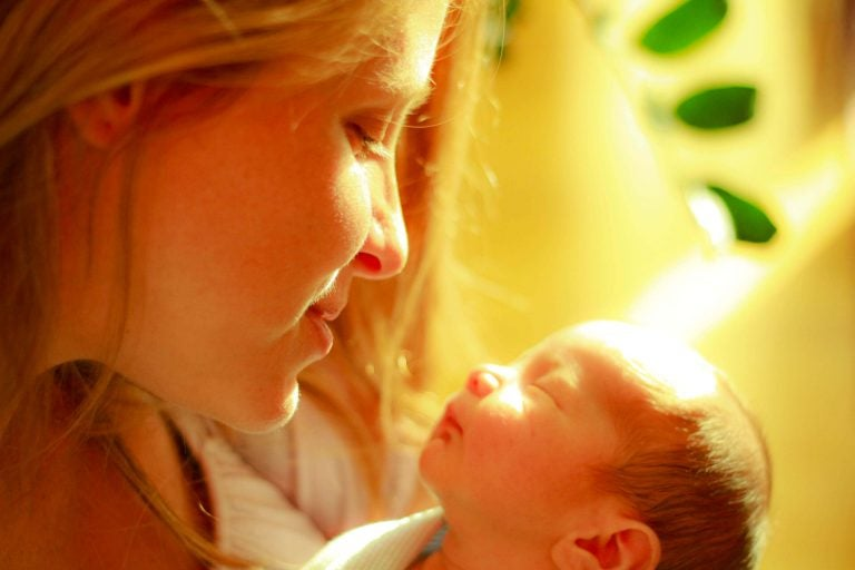 Bebeğinizle geçirdiğiniz anların tadını çıkarın, zaman su gibi akıyor