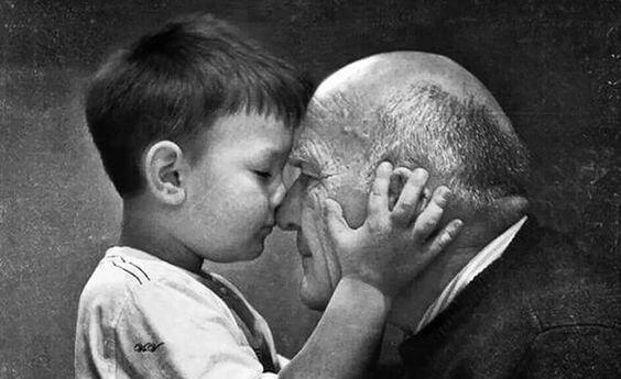 Büyükanne ve Büyükbabalarımız Aslında Ölmezler - Sadece Görünmez Olurlar