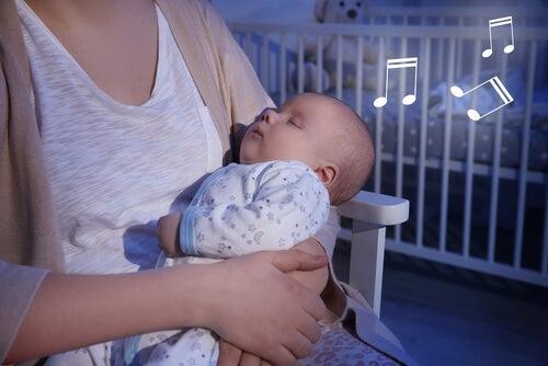 Bebeğiniz İçin En Güzel Ninniler