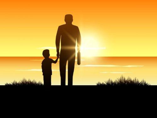 baba oğul gün batımı izlerken