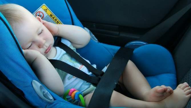 arabada bebek koltuğu