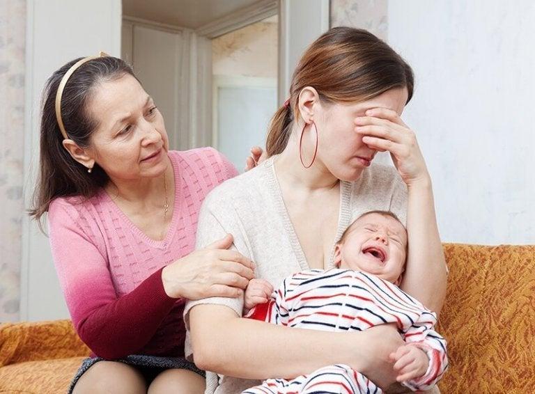 doğum sonrası depresyonda kadın