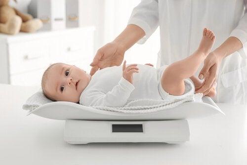 Bebeğinizin Kilosunu Kontrol Etmeye Dair 6 İpucu