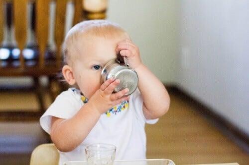 Bebeğe Su Vermenin Doğru Zamanı Nedir?