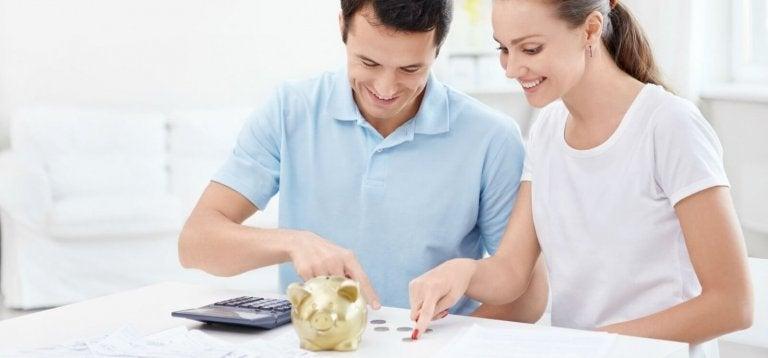 Ebeveynler için 12 Para Tasarrufu Önerisi