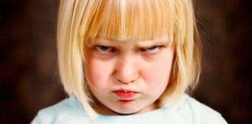 Çocukların Öfkelerini Kontrol Etmelerine Yardımcı Olan 10 Oyun