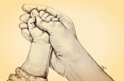 Bebeğinizin Minik Elleriyle Parmağınızı Tuttuğu An