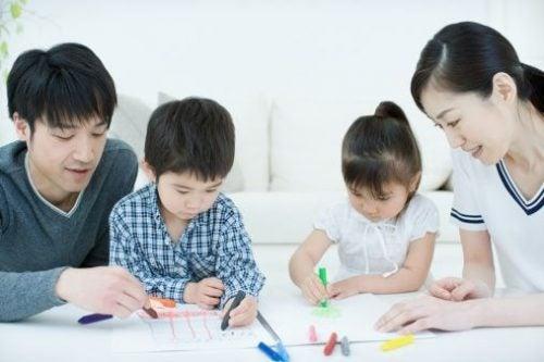 ders çalışan japon çocuklar