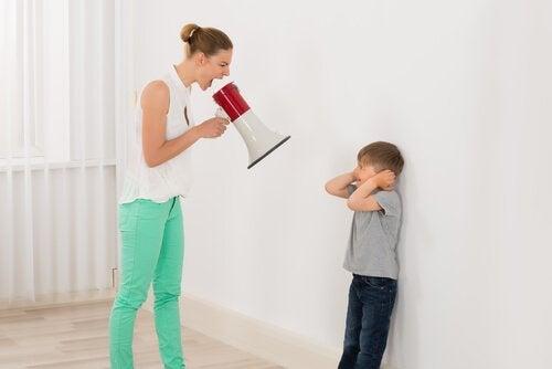 Turuncu Gergedan Yöntemi: Çocuğunuza Bağırmaktan Nasıl Kurtulabilirsiniz?