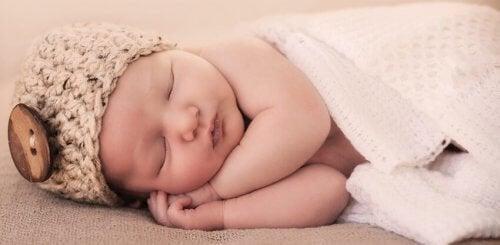 Bebeğinizin Uykusuna Yardımcı Olacak 7 Tavsiye