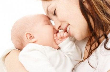 Bebeğiniz ile Aranızdaki Bağı Kuvvetlendirecek 8 İpucu