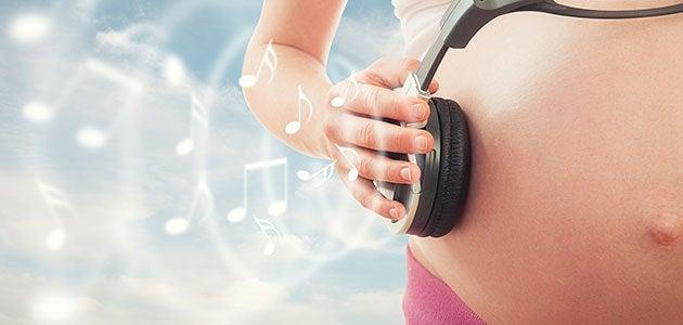 doğmamış bebeğe müzik dinletmek