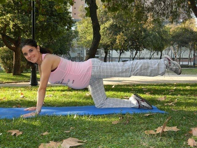 parkta hamile yogası