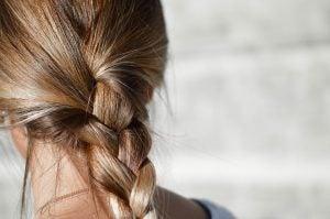 Kadın saç örgüsü