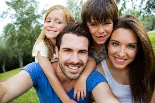 Çocuğunuzun Saç ve Göz Rengini Ne Belirler?