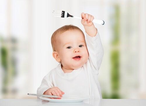 Bebeğinize asla vermemeniz gereken 10 gıda