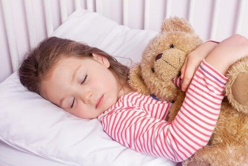 Çocuğunuzun bir dakikada uykuya dalmasını sağlayacak 4-7-8 tekniği
