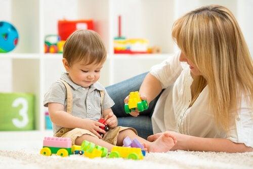 2 Yaşındaki Çocuklar İçin 9 Tane Eğitici Oyuncak