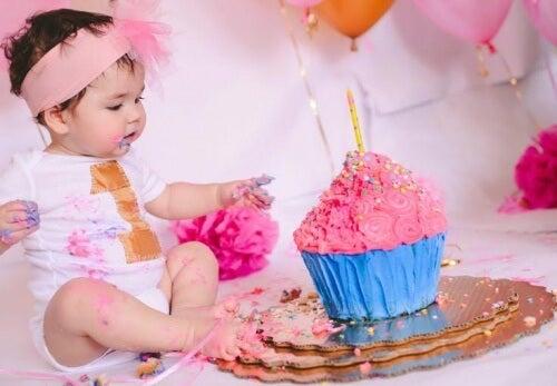 Bebeğin İlk Doğum Günü Neden Kutlanır?
