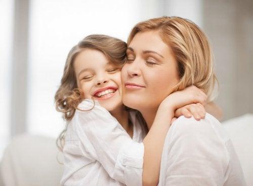 yanak yanağa anne ve kız