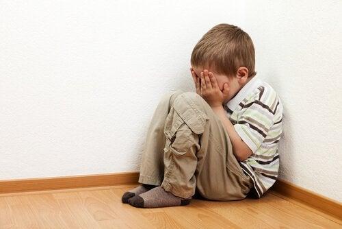 Çocukların Yalnız Kalma Korkusunu Anlamak