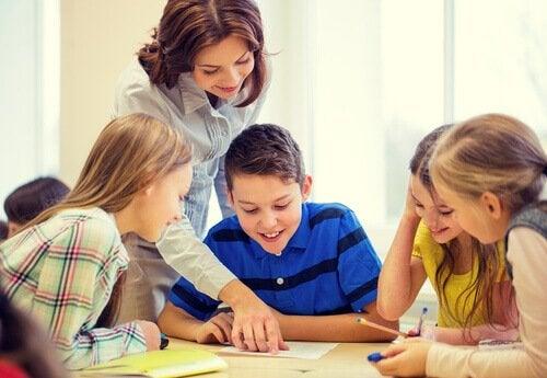öğretmen ve öğrencileri