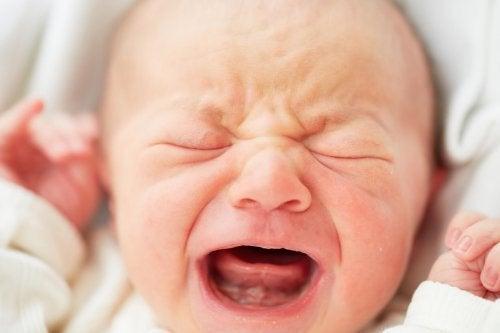 uyku düzeni bozuk bebek