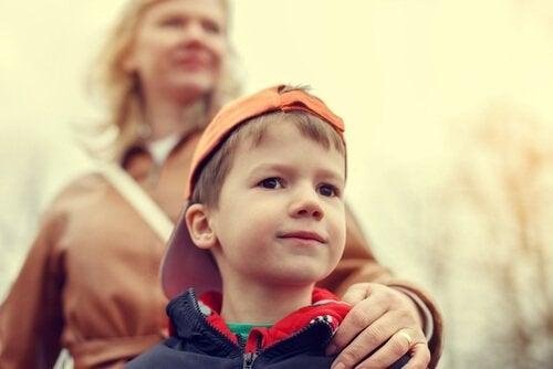 Aşırı Koruyucu Ebeveyn Olmaktan Nasıl Kaçınılır?