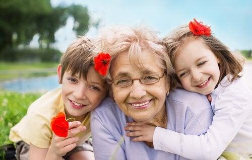 büyükanne ve torunları