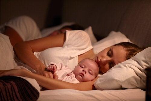 Çocukları Uyutmak İçin 4 Yöntem