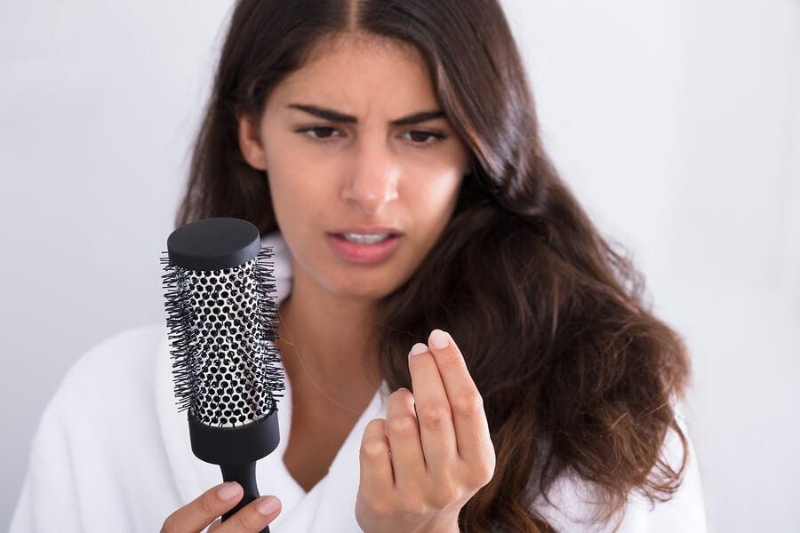 Doğum Sonrası Saç Dökülmesine Karşı Ne Yapılmalıdır?