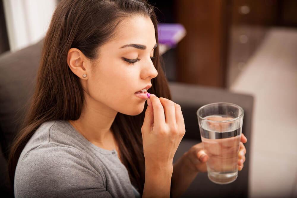 Emzirirken İlaç Tedavisi Görmek: Doğru Bilinen Yanlışlar