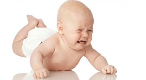 kabız olmuş bebek