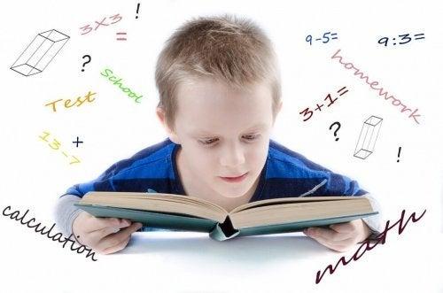 matematik öğrenen çocuk