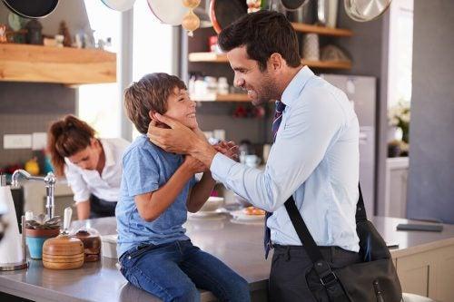 Ebeveynler neden evden çıkmadan önce görüşürüz demelidir?